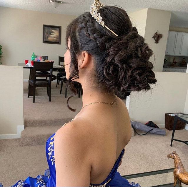 Quinceanera hairstyles 2020